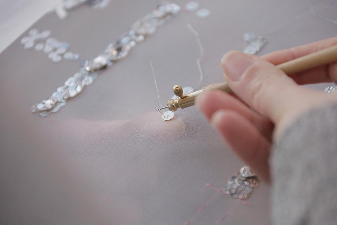 Atelier Lesage pour Chanel (photo d'Anne Combaz pour Vogue)