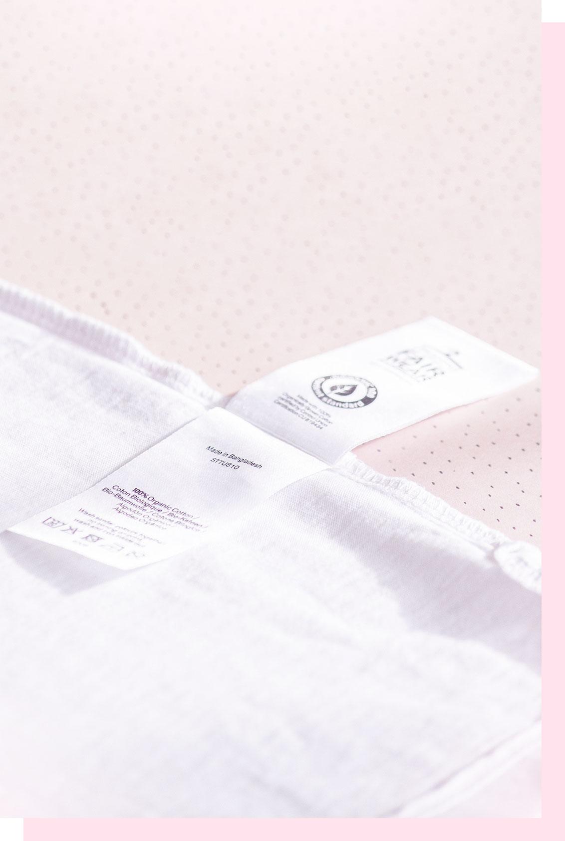 Etiquette de vêtement et composition du tissu