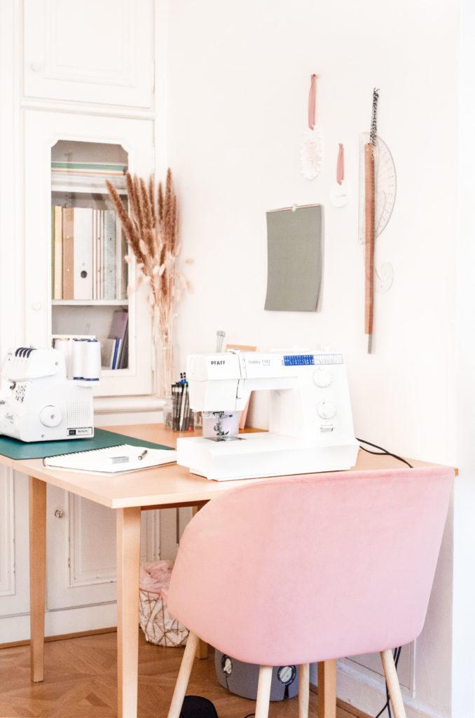 Comment aménager un atelier de couture dans un petit espace ?